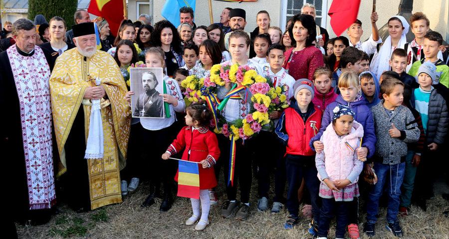 Locuitorii din satul Podoleni, comuna Barcea, știu să-și omagieze eroii - 1